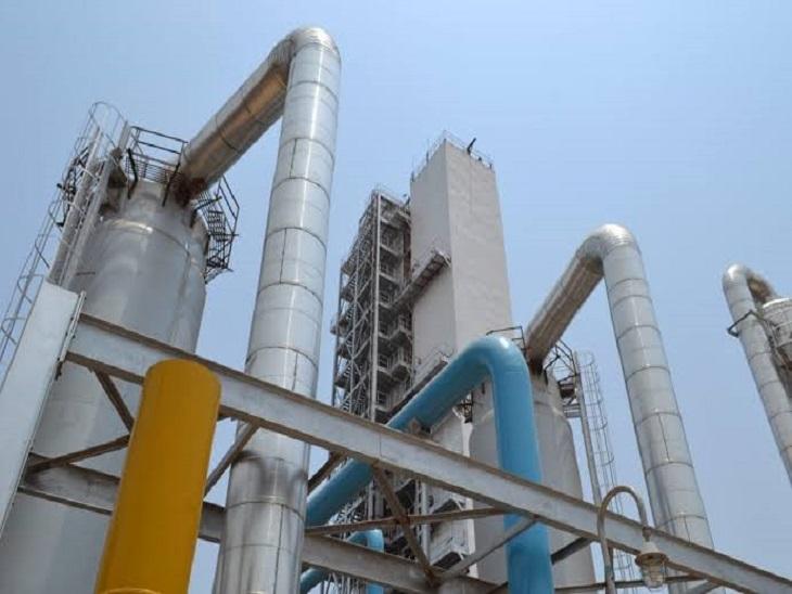 भिलाई स्टील प्लांट में लिक्विड ऑक्सीजन का उत्पादन हो रहा है।