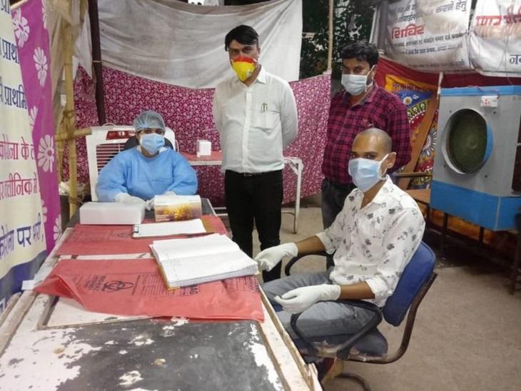 तस्वीर भिलाई की है। सुपेला अस्पताल में सुबह एवं शाम की शिफ्ट में भी टेस्टिंग की सुविधा प्रदान की गई है। - Dainik Bhaskar