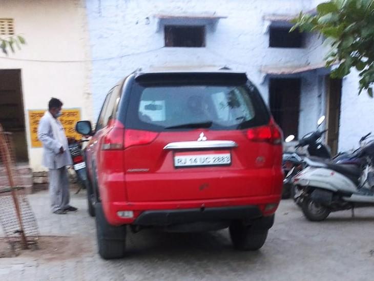 5 साल से कार में फर्जी नम्बर प्लेट लगाकर चला रहा था, नाकाबंदी में आया पकड़ में, नम्बरों की जांच के लिए जयपुर जाएगी पुलिस टीम|कोटा,Kota - Dainik Bhaskar