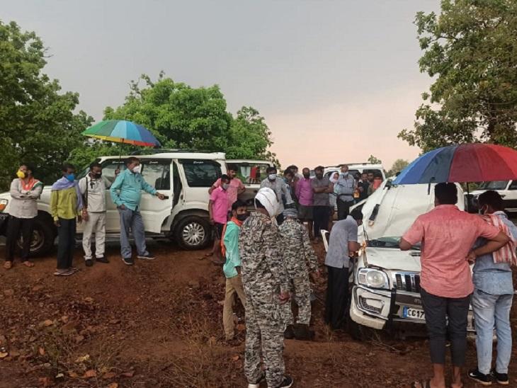 पुलिस ने गैस कटर से गाड़ी को काटकर घायलों और शवों को बाहर निकाला।