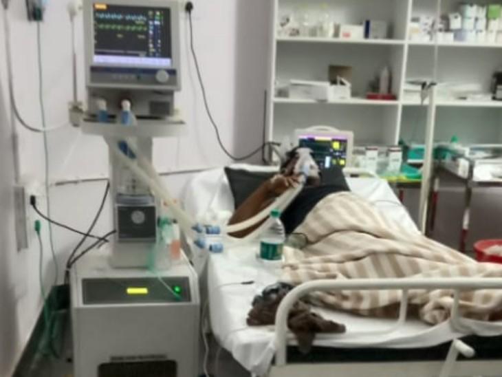तस्वीर ओम प्रकाश की जब सेजबहार के एक प्राइवेट अस्पताल में उनका इलाज चल रहा था।