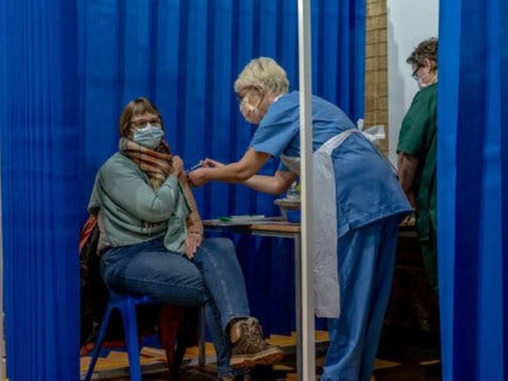 ब्रिटेन की रिसर्च में कहा गया- वैक्सीन की एक डोज से ही घर में संक्रमण का खतरा 50% कम|विदेश,International - Dainik Bhaskar
