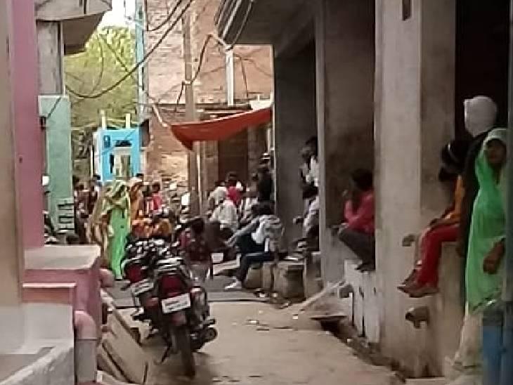 डर तो लगता है, लेकिन अभी तक न कोई बीमार पड़ा और न मौत हुई, मुड़िया खेड़ा गांव के लोग बैठ रहे चौपालों पर|मुरैना,Morena - Dainik Bhaskar