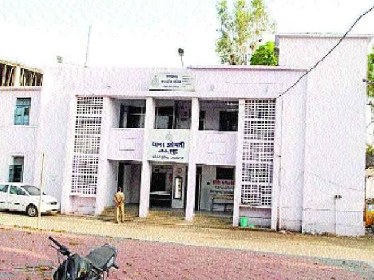 सिटी अस्पताल के डॉक्टर का बनाया था वीडियो, सोशल मीडिया पर वायरल होने के बाद हुई कार्रवाई|जबलपुर,Jabalpur - Dainik Bhaskar