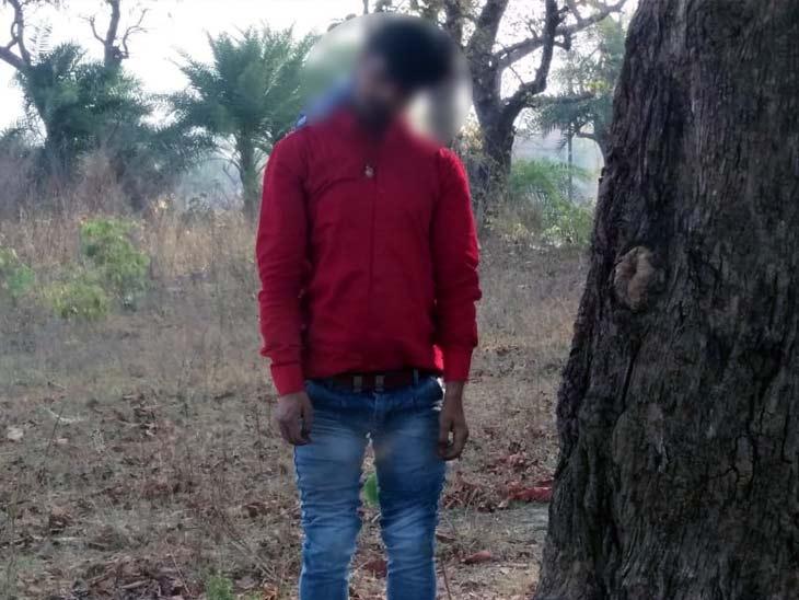 युवक की पहचान सुरेश गुप्ता के 27 साल के बेटे पिंटू गुप्ता के रूप में की गई। - Dainik Bhaskar