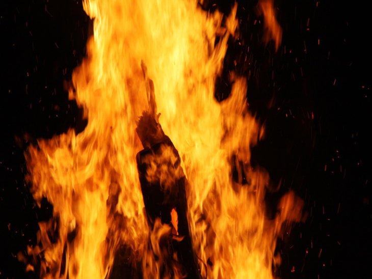 लुधियाना में पति और सास से परेशान होकर नवविवाहिता ने खुद को लगाई आग, 70 फीसदी झुलसी|पंजाब,Punjab - Dainik Bhaskar