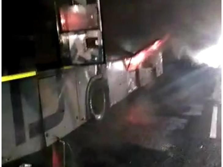 ड्राइवर की सूझबूझ से सकुशल बचे सभी यात्री, यूपी से जा रहे थे मुंबई|गुना,Guna - Dainik Bhaskar