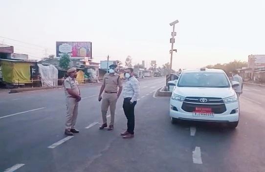 कलेक्टर-एसपी के दौरे से पुलिस-प्रशासन में खलबली, एक पेट्रोल पंप को 24 घंटे के लिए सील कर जुर्माना लगाया|दौसा,Dausa - Dainik Bhaskar
