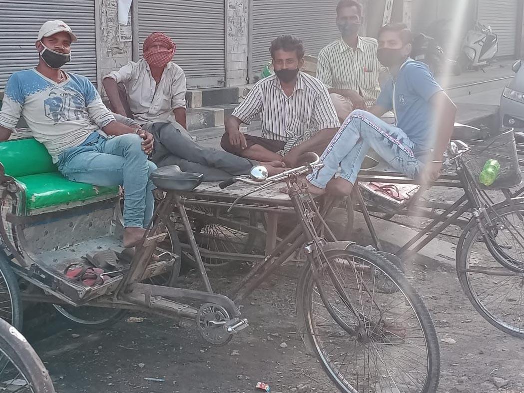 रिक्शा चालक बोले, 'बाजार तो सुबह खुलने लगा लेकिन नहीं होती कमाई, कैसे करें गुजारा'|श्रीगंंगानगर,Sriganganagar - Dainik Bhaskar