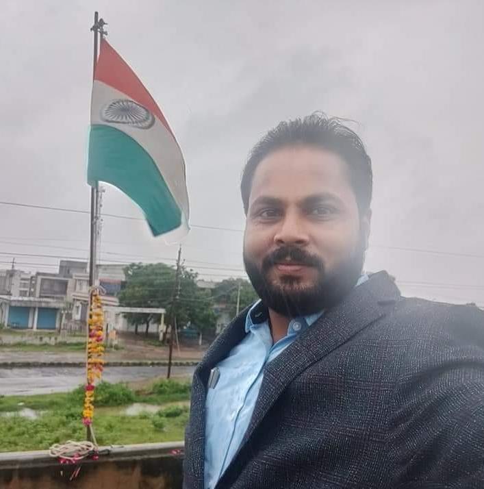 डीएमओ रोहित कुमार श्रीवास्तव