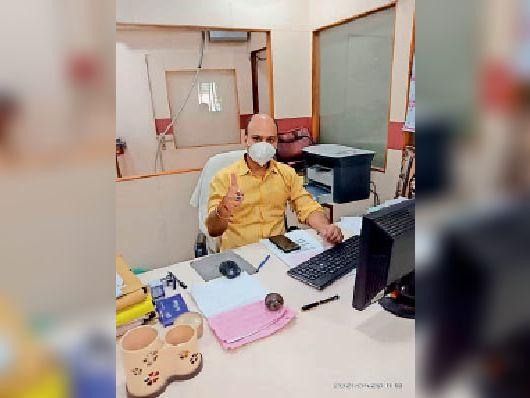 राकेश कुमार यादव प्रबंधक इलाहाबाद बैंक ओरिया, प्रखंड रजौन - Dainik Bhaskar