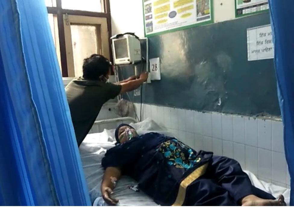 सिविल अस्पताल में अचानक ऑक्सीजन सप्लाई बंद होने से मची अफरातफरी, मौके पर नहीं थे सेहत कर्मचारी, DC ने 24 घंटे में मांगी रिपोर्ट|जालंधर,Jalandhar - Dainik Bhaskar