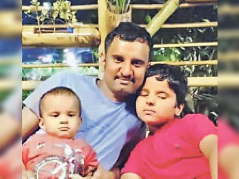 हादसे में मृतक महिपालसिंह व उनके 2 बेटे। - Dainik Bhaskar