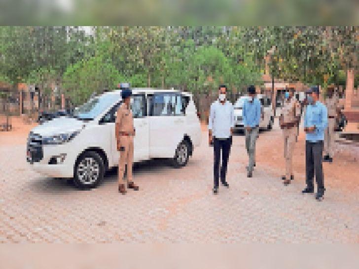 कोरोना संक्रमण रोकने के लिए आमजन को जागरूक करने की बात कही - Dainik Bhaskar