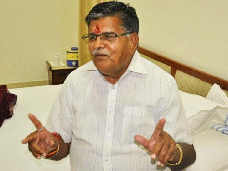 इससे पहले भी गुलाब चंद कटारिया उपचार उपकरणों के लिए दे चुके हैं पच्चीस लाख रुपए की राशि। - Dainik Bhaskar