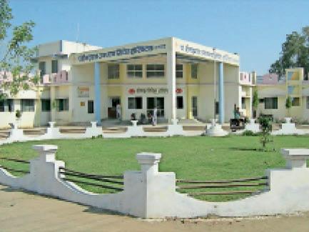 सनावद सिविल अस्पताल। - Dainik Bhaskar