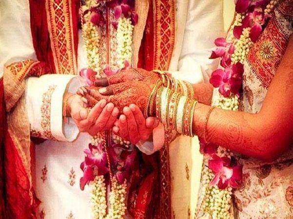 जिला शिमला में अब विवाह समाराेह एक ही दिन का हाेगा; डीजे नहीं बजेगा, 20 लाेग ही शामिल हाेंगे, सामूिहक भोज भी नहीं होगा|शिमला,Shimla - Dainik Bhaskar