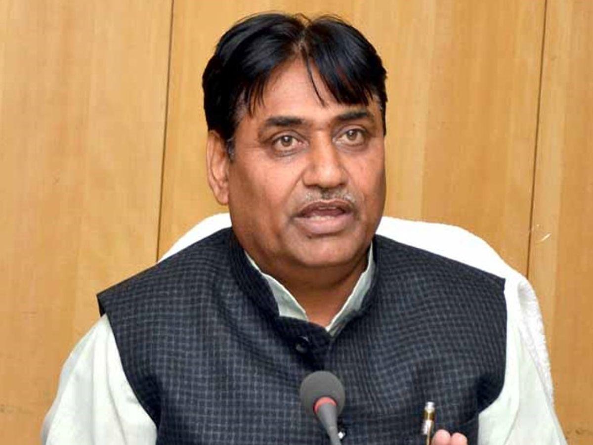 शिक्षामंत्री गोविंद सिंह डोटासरा (फाइल फोटो) - Dainik Bhaskar