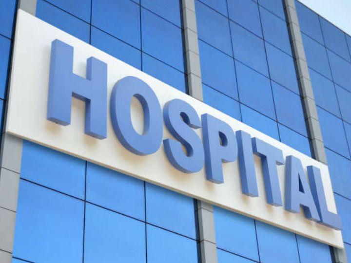मरीजों को जगह न मिलने के कारण रेफर करना पड़ रहा है। - Dainik Bhaskar