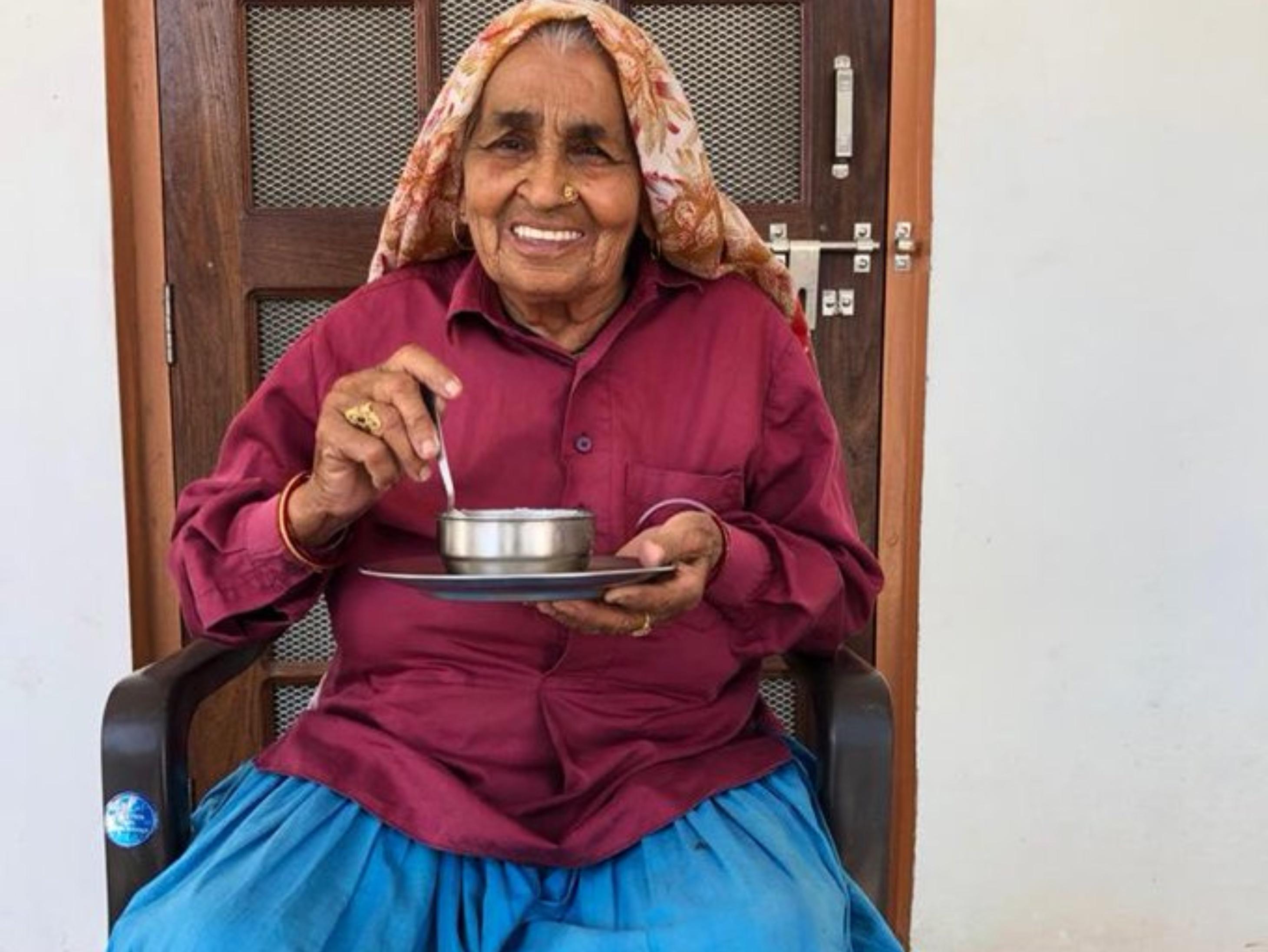 चंद्रो तोमर का कोरोना से निधन, दादी की लाइफ पर बनी 'सांड की आंख' की एक्ट्रेसेस तापसी और भूमि ने दी श्रद्धांजलि|बॉलीवुड,Bollywood - Dainik Bhaskar
