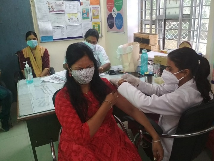 राजस्थान में 11 जिलों में शुरू करने की घोषणा की थी, जयपुर, जोधपुर समेत महज 3 जिलों में पहले दिन लग पाया टीका|राजस्थान,Rajasthan - Dainik Bhaskar