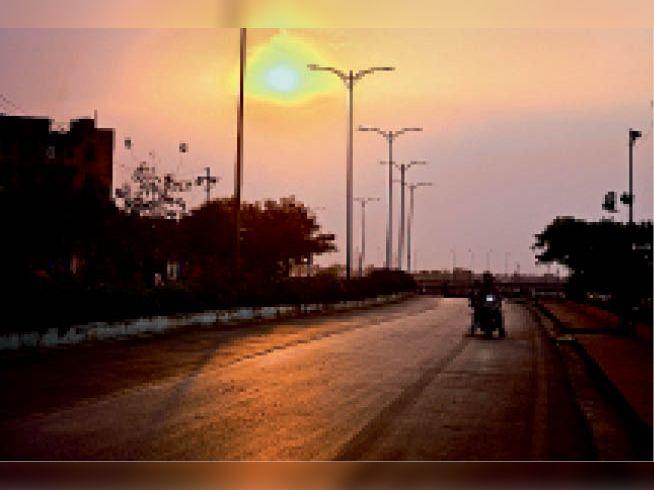 दस वर्षों में दूसरी बार कम तपा अप्रैल, पर पिछले साल से इस बार ज्यादा रही गर्मी बिलासपुर,Bilaspur - Dainik Bhaskar