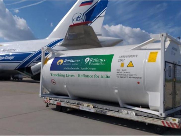 जर्मनी, नीदरलैंड, बेल्जियम, सऊदी अरब और थाईलैंड से एयरलिफ्ट किए गए ऑक्सीजन टैंकर। - Dainik Bhaskar