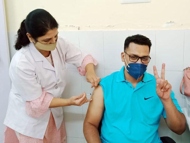अजमेर में 10 केन्द्रों पर युवाओं का टीकाकरण; बिना शेड्यूल नहीं, ऑनलाइन रजिस्ट्रेशन जरूरी, पहले दिन 218 का हुआ वैक्सीनेशन|अजमेर,Ajmer - Dainik Bhaskar