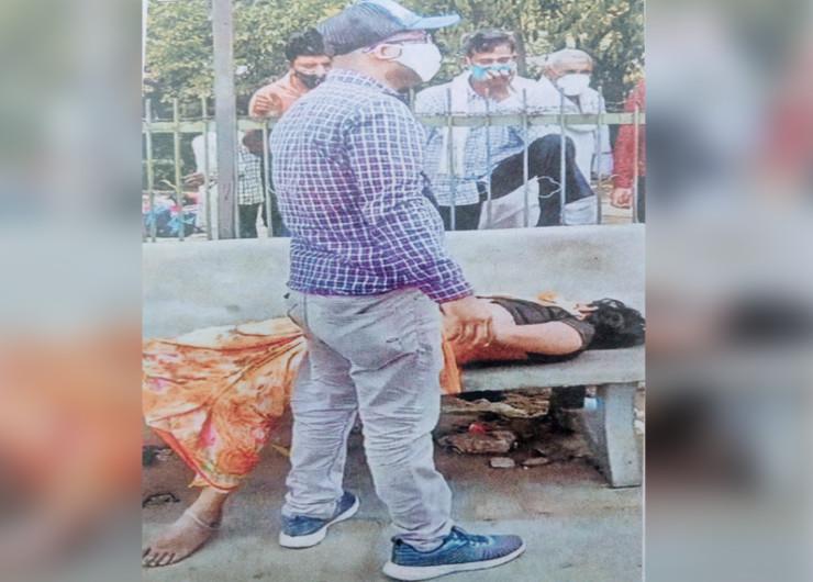 25 साल की बहन को ऑटो में लेकर जयपुर के 6 अस्पतालों में भटकता रहा भाई, SMS में भी मिले ताले, गेट पर दम तोड़ा, मरने से पहले हाथ जोड़कर कहती रही- मुझे बचा लो|जयपुर,Jaipur - Dainik Bhaskar
