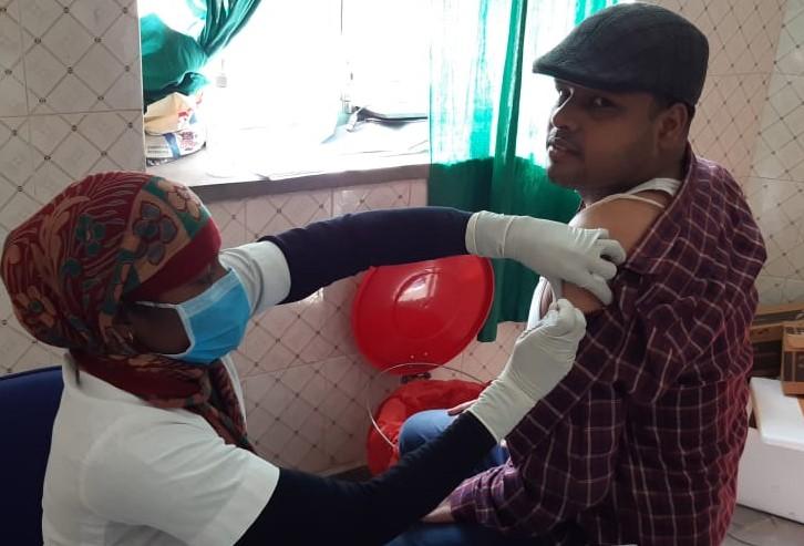 बीकानेर में आज महज पांच केंद्रों पर 18+ वैक्सीनेशन, सिर्फ उन्हीं को लगेगा टीका, जिनके पास आया है मैसेज, हर केंद्र पर दो सौ|बीकानेर,Bikaner - Dainik Bhaskar