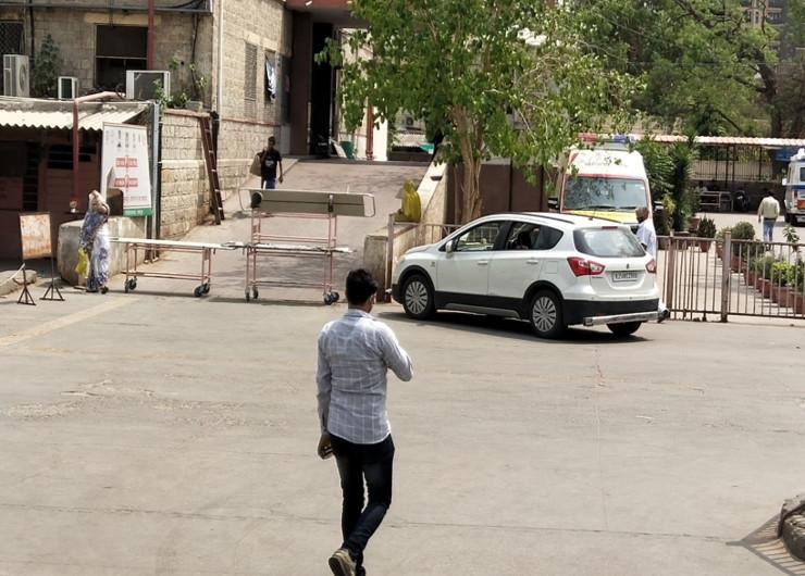 SMS हॉस्पिटल में कोविड पेशेंट के लिए 1000 बैड, इनमें 650 मरीज ऑक्सीजन पर; रोजाना 2000 सिलेंडर की जरुरत|जयपुर,Jaipur - Dainik Bhaskar