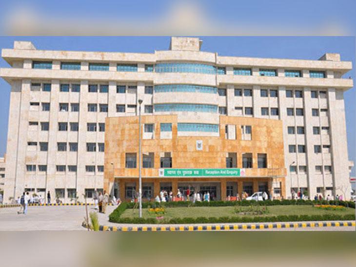खानपुर कलां स्थित भगत फूल सिंह मेमोरियल सरकारी मेडिकल कॉलेज, जहांं कोरोना मरीज के साथ बदतमीजी का मामला सामने आाया है। - Dainik Bhaskar