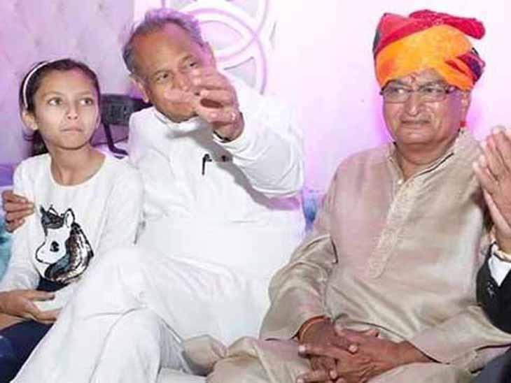 जोधपुर के एमडीएम अस्पताल में भर्ती करवाया गया; पत्नी, बेटे और बहू की भी रिपोर्ट पॉजिटिव जोधपुर,Jodhpur - Dainik Bhaskar