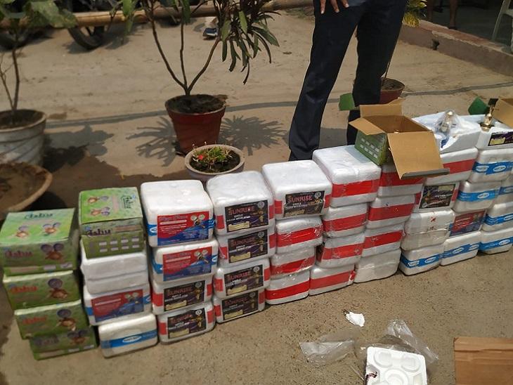 ऑक्सीजन सिलेंडर में लगने वाले 42 फ्लो मीटर जब्त, 800 दाम वाले इस जरूरी पार्ट को 8000 में बेच रहे थे, 4 पकड़ाए|पटना,Patna - Dainik Bhaskar