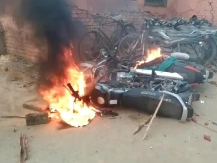 पंचायत चुनाव की मतगणना के दौरान भड़की हिंसा में दो की मौत, 35 लोग गिरफ्तार; DGP ने तुरंत आरोपियों को गिरफ्तार करने का आदेश दिया|उत्तरप्रदेश,Uttar Pradesh - Dainik Bhaskar