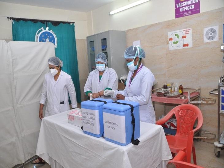 उच्च न्यायालय के कहने से पटरी पर आई व्यवस्था, सभी वर्गों के 33% लोगों को हर रोज मिलेगा टीके का रक्षा कवच|रायपुर,Raipur - Dainik Bhaskar
