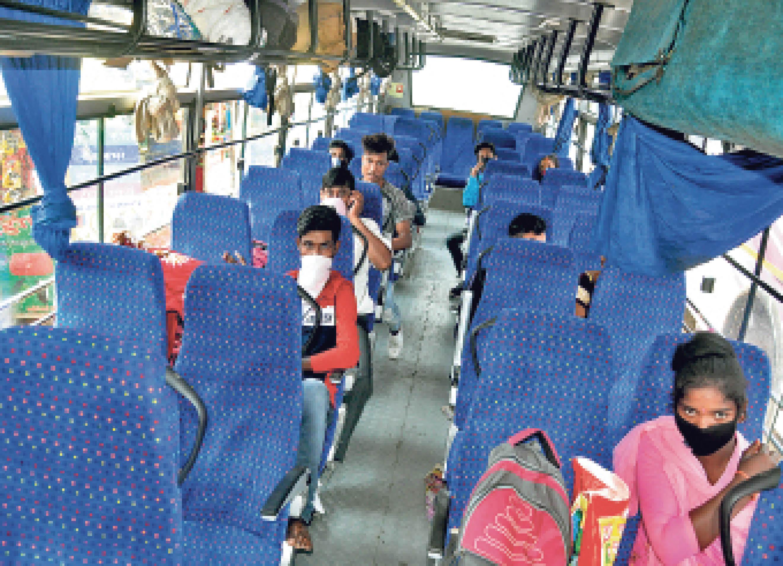 यात्री नहीं मिलने से 500 बस के पहिए थमे, रोजाना 2 करोड़ रुपए का नुकसान|रांची,Ranchi - Dainik Bhaskar