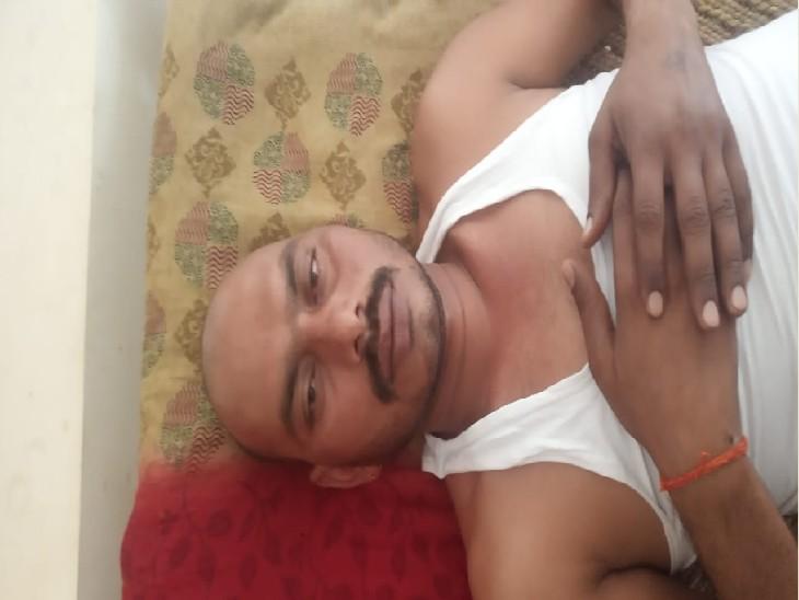 जिस गांव में ससुराल वहीं पत्नी के सामने 5 बदमाशों ने बंधक बनाकर पीटा, चाकू अड़ाकर लूट ले गए 39 हजार रुपए|ग्वालियर,Gwalior - Dainik Bhaskar