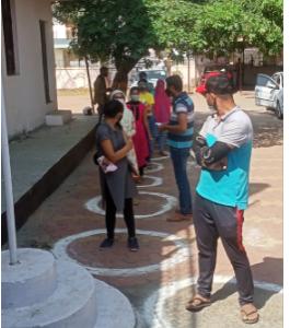 भोपाल में 18 से 44 साल उम्र के लोगोंं को 22 सेंटर पर लगाई जा रही वैक्सीन, 45+ के लिए 47 सेंटर बनाए गए|भोपाल,Bhopal - Dainik Bhaskar