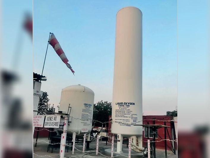 डेराबस्सी ऑक्सीजन प्लांट पहुंचे अफसर; यूटी के कोटे से पीजीआई को हो रही सप्लाई रुकवाई|चंडीगढ़,Chandigarh - Dainik Bhaskar