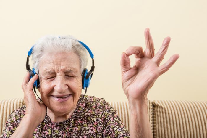 दिन में एक बार गाना भी कम कर सकता है डिमेंशिया का प्रभाव|लाइफ & साइंस,Happy Life - Dainik Bhaskar