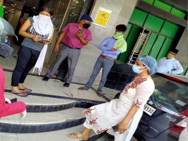निजी अस्पतालों और निजी एंबुलेंस के खिलाफ शिकायत में धावा दल की छापेमारी के प्रशासनिक दावे के बीच निजी अस्पतालों के खिलाफ कुल 4 शिकायतें मिली हैं। (फाइल फोटो) - Dainik Bhaskar