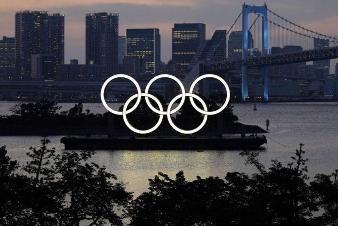 ओलिंपिक आयोजकों के लिए परेशानियां बढ़ती जा रही हैं।