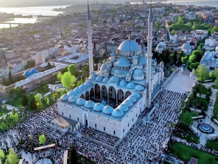 चर्च से मस्जिद, म्यूजियम और फिर मस्जिद बनी हागिया सोफिया में 87 साल बाद ईद पर नमाज|विदेश,International - Dainik Bhaskar