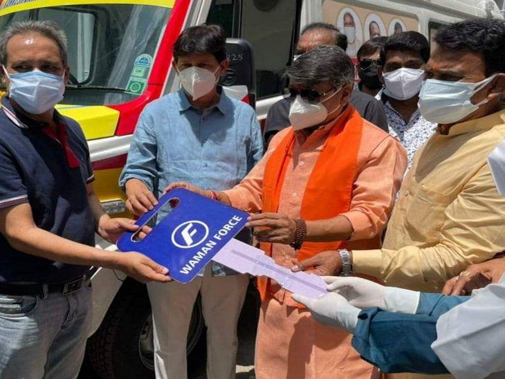 विजयवर्गीय बोले - शुरुआत में वैक्सीन पर कुछ ने राजनीति की, 15 दिन में मांग होने लगेगी पूरी, इंदौर में ऑक्सीजन सरप्लस में|इंदौर,Indore - Dainik Bhaskar