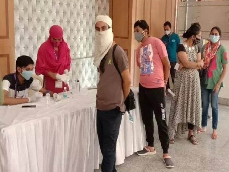 छत्तीसगढ़ के अधिकांश केंद्रों पर APL का टीकाकरण बंद, सरकार के वैक्सीन भंडार में टीका भी खत्म|रायपुर,Raipur - Dainik Bhaskar