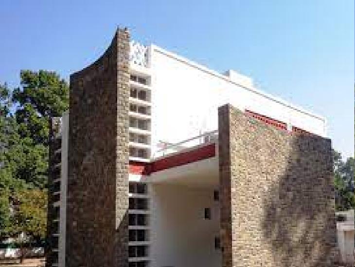 जेनरे हाउस की तर्ज पर पुराने शेप में लाया जाएगा एक-एक घर,कर्मचारियों ने अपने हिसाब से घरों में की है तोड़फोड़|चंडीगढ़,Chandigarh - Dainik Bhaskar