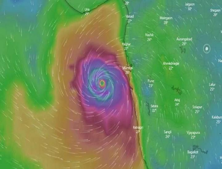 तूफान लगातार गुजरात की ओर बढ़ रहा है। हालांकि, इसका असर मुंबई में भी देखा जा रहा है।