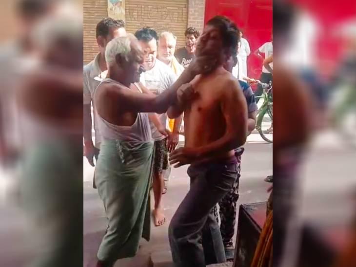 महापौर के पिता और भाई ने युवक को पीटा; कपड़े फाड़े, पुलिस ने दोनों पक्षों में कराई सुलह|उत्तरप्रदेश,Uttar Pradesh - Dainik Bhaskar