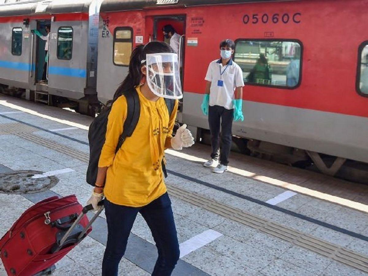रेलवे स्टेशन में कोरोना प्रोटोकॉल तोड़ने पर लगेगा 500 रुपए जुर्माना|रायपुर,Raipur - Dainik Bhaskar